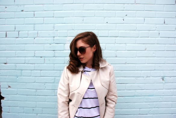 style blog trench coat sunglasses stripes style blogger 11
