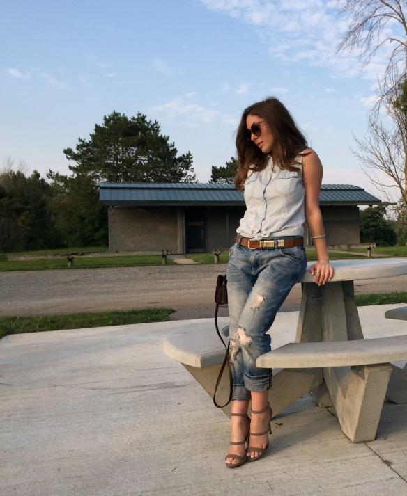 toronto style blogger summer style boyfriend jeans 1