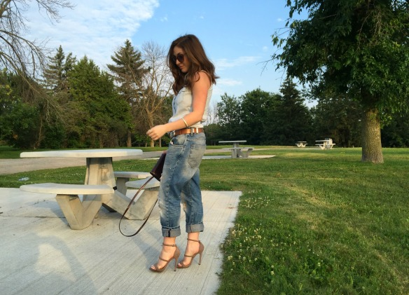 toronto style blogger summer style boyfriend jeans 5