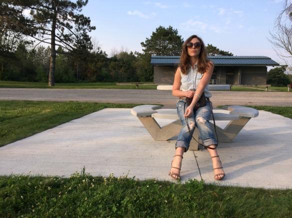 toronto style blogger summer style boyfriend jeans 8