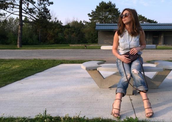 toronto style blogger summer style boyfriend jeans 9