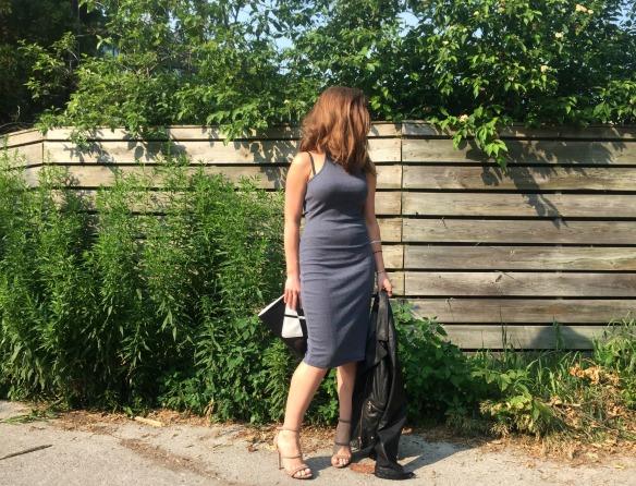 toronto style blogger summer style grey dress 1