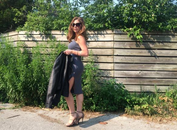 toronto style blogger summer style grey dress 2