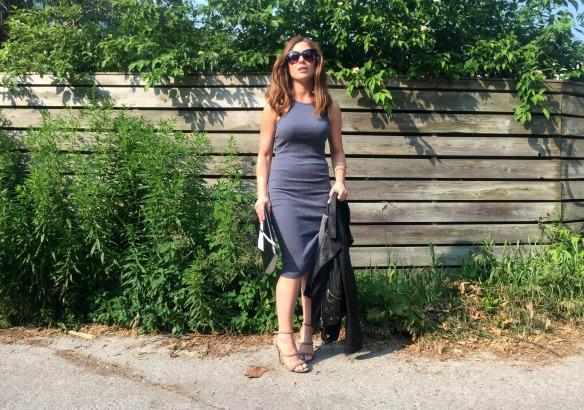 toronto style blogger summer style grey dress 5