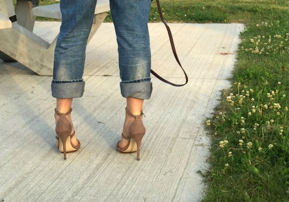 toronto style blogger summer style nude suede sandals