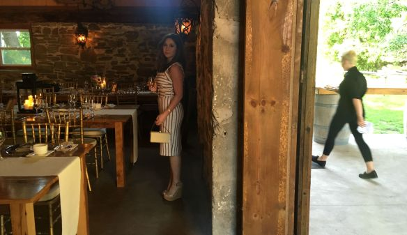 toronto style blogger wedding guest style vineyard wedding 4