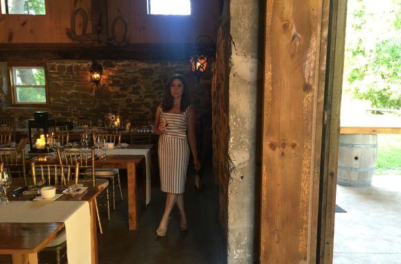 toronto style blogger wedding guest style vineyard wedding 5