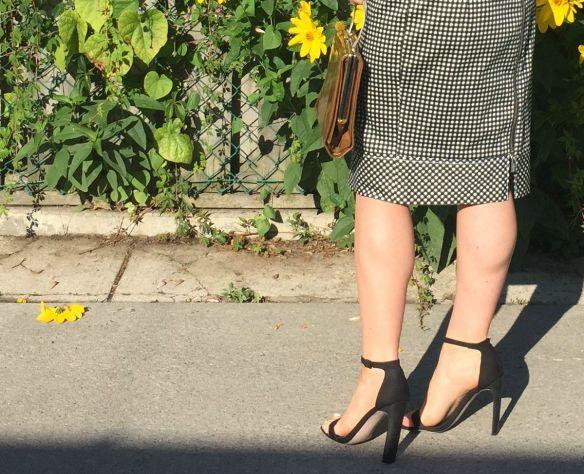 toronto style blogger gingham dress summer style 12
