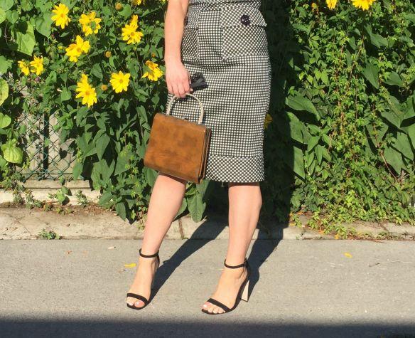 toronto style blogger gingham dress summer style