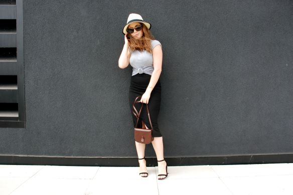 toronto style blogger summer style midi skirt strappy sandals 11