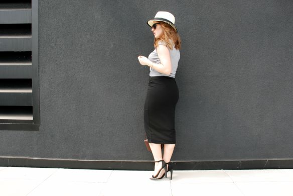toronto style blogger summer style midi skirt strappy sandals